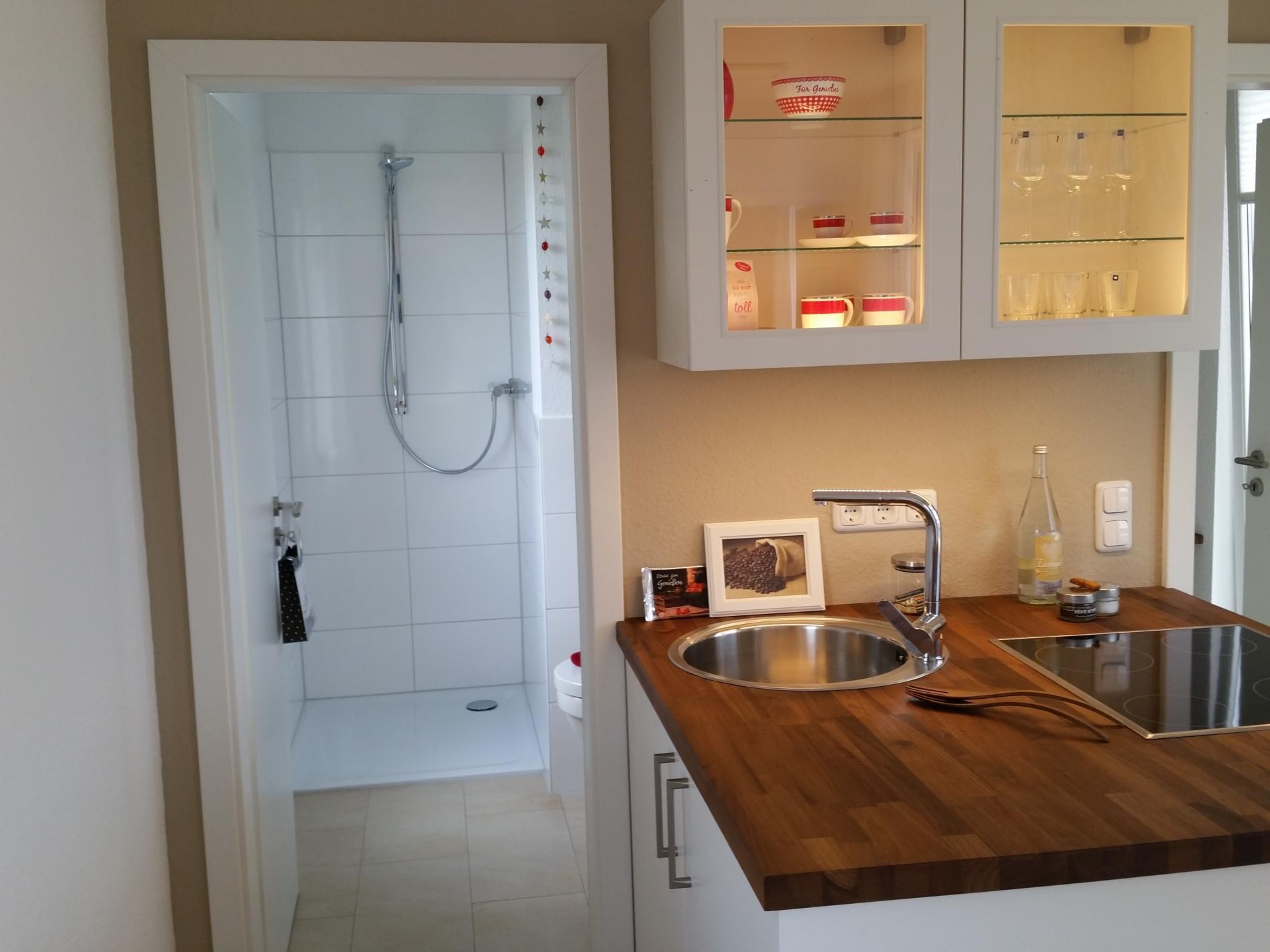 kleines modulhaus interior design und m bel ideen. Black Bedroom Furniture Sets. Home Design Ideas